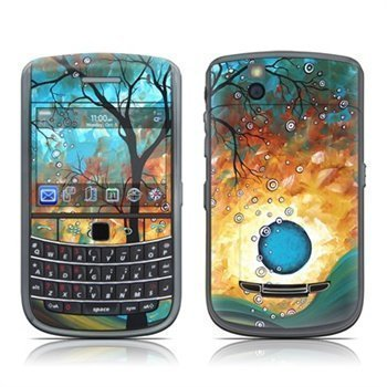 BlackBerry Bold 9650 Aqua Burn Skin