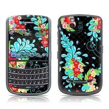 BlackBerry Bold 9650 Betty Skin