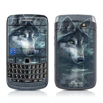 BlackBerry Bold 9700 Wolf Reflection Skin
