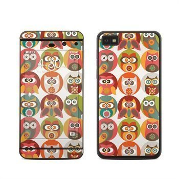 BlackBerry Z10 Owls Family Skin